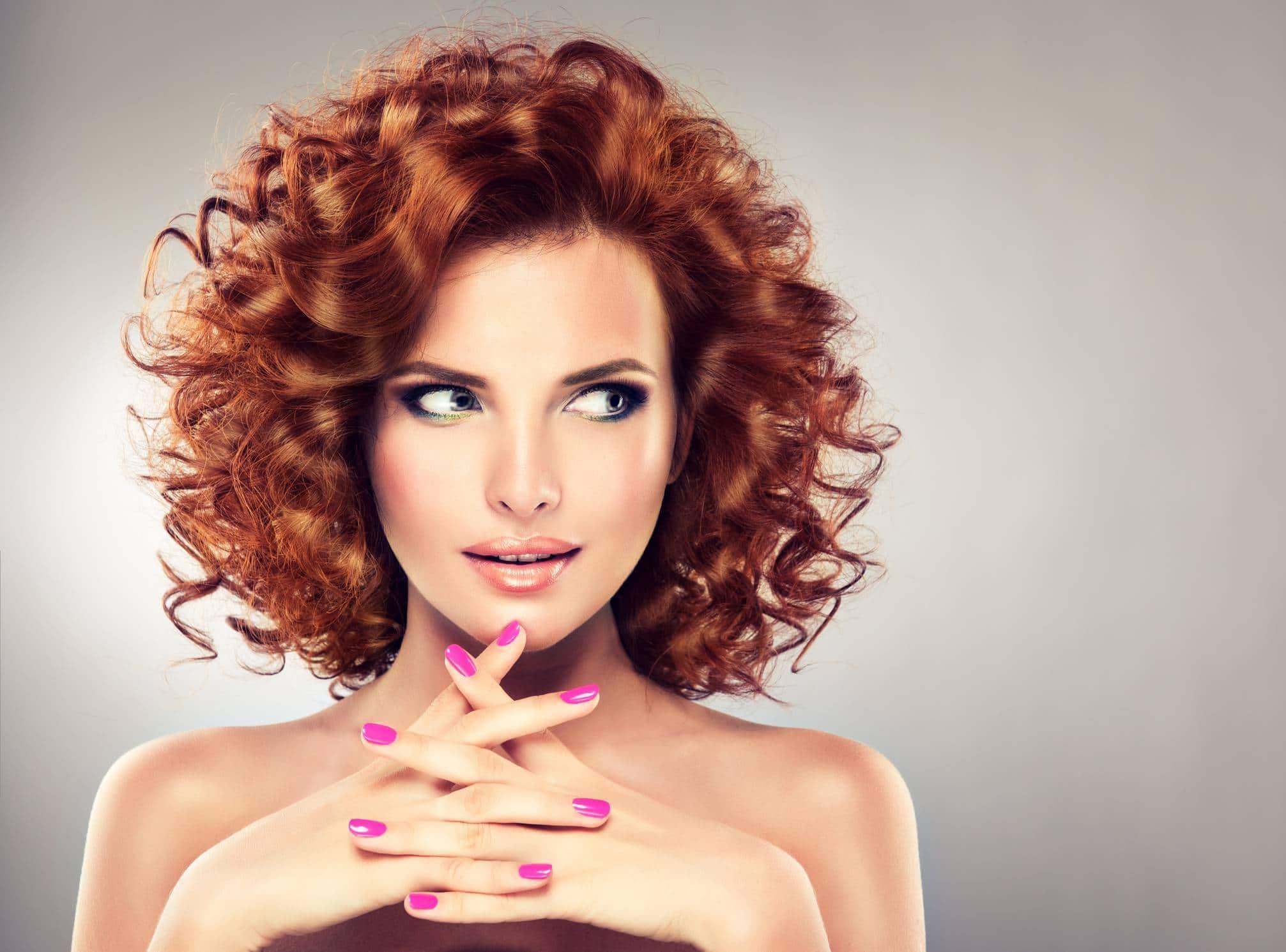 femme beaux cheveux