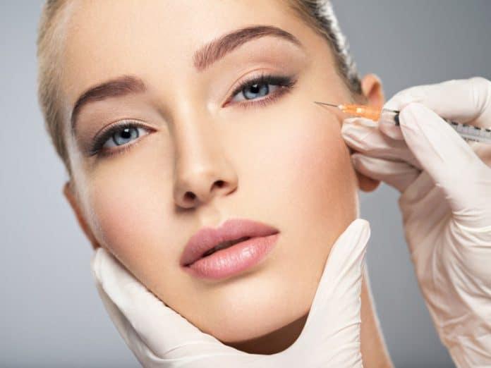Botox ou acide allurionique : quelle différence ?