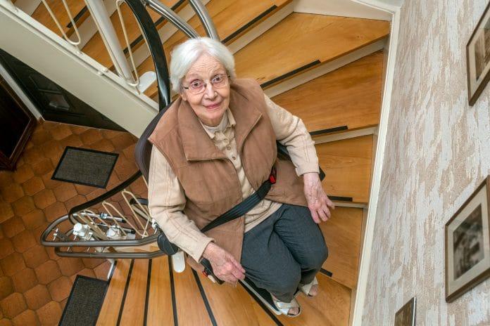 Le monte-escalier : l'investissement pour rester vivre chez soi
