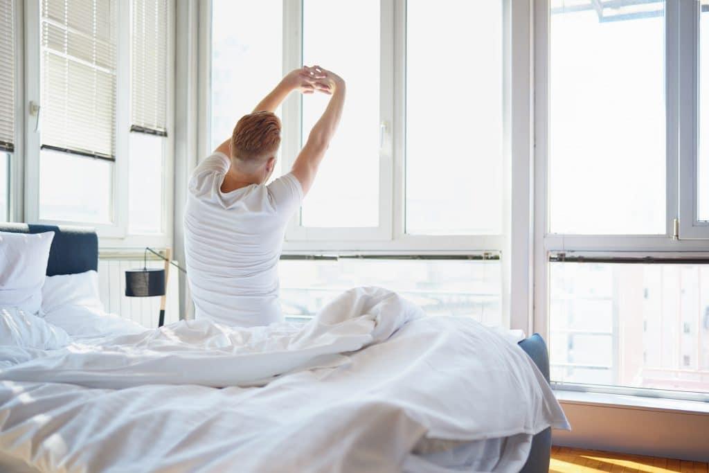Comment soulager un mal de dos au réveil ?