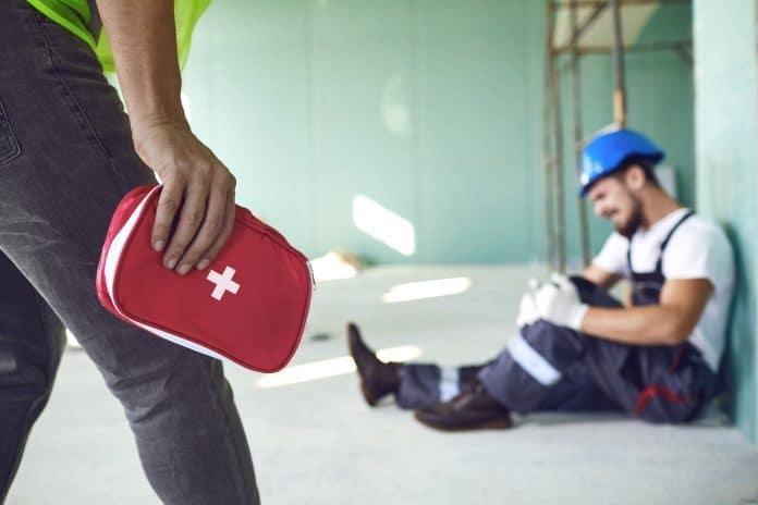 Sauveteur secouriste du travail : une obligation dans les entreprises ?