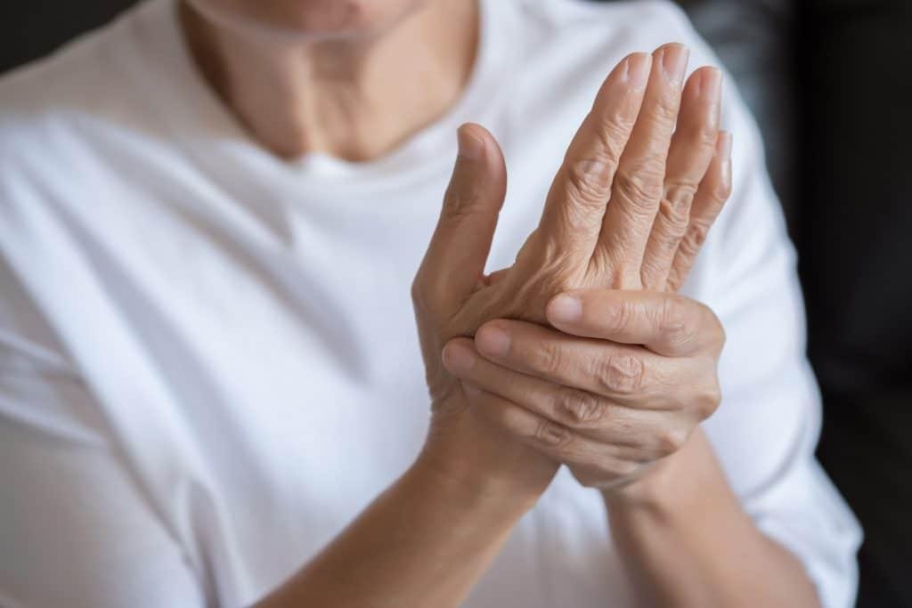 Quels sont les symptômes de l'arthrite?