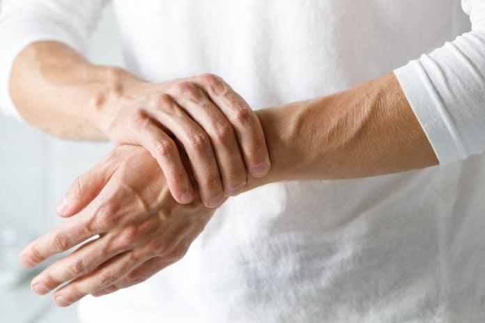 Arthrite : symptômes, causes et traitements