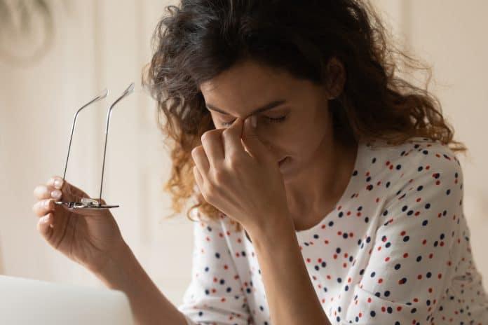 Qu'est-ce que la migraine ophtalmique et comment la soigner ?