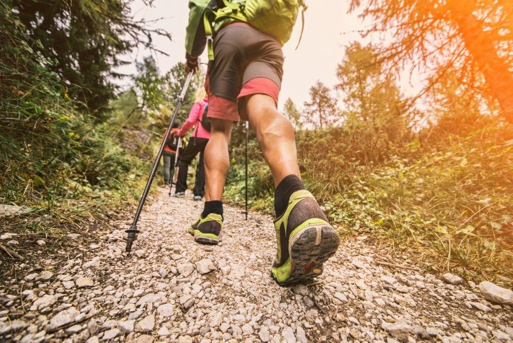 Comment soulager les douleurs aux genoux en randonnée?