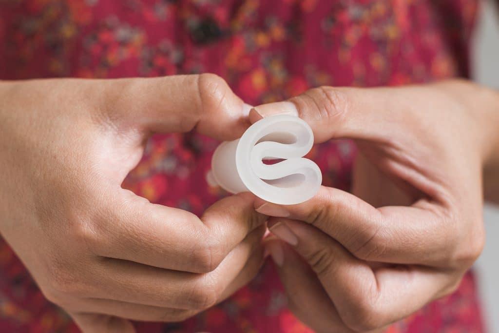 Avantages et inconvénients de la cup menstruelle
