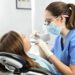 7 choses à savoir sur les implants dentaires